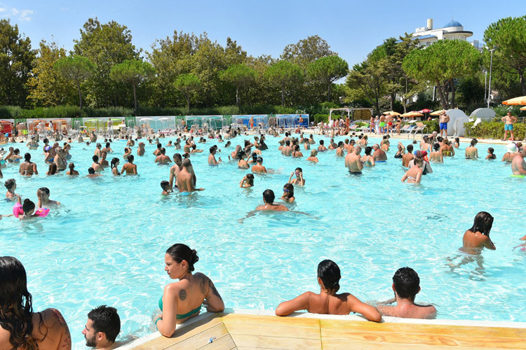 sito di incontri in piscina